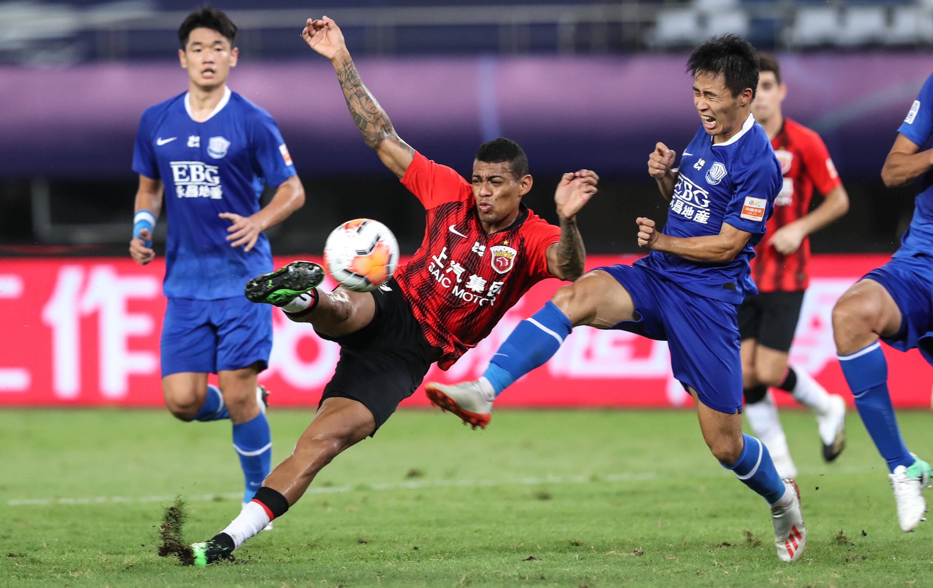 足球——中超:上海上港战平石家庄永昌