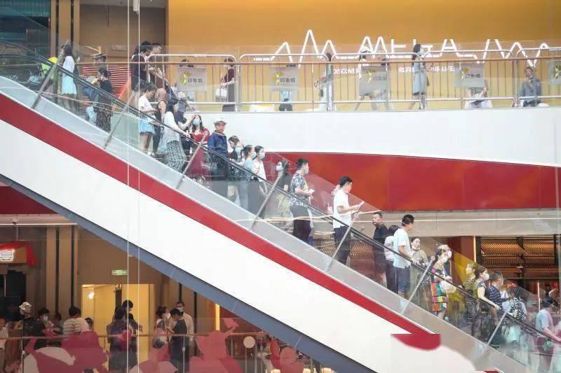上海单体量最大购物中心开业,有人从太仓赶来,到底有啥好?