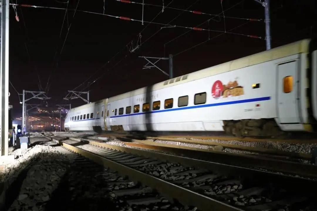 历时635分钟的太焦高铁引入太原枢纽施工改造胜利完成.图片