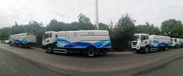 交付批量徐工路面清洁设备 打造无锡水韵