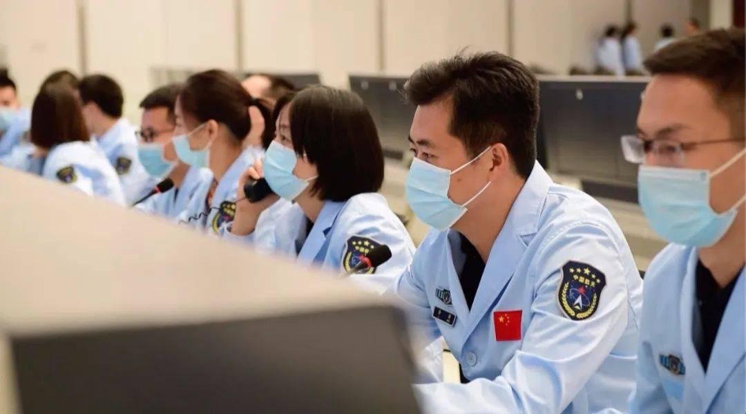 陪我上飞翔《天千一号》!一名28岁的女子成为第一次火星探索任务的北京首席
