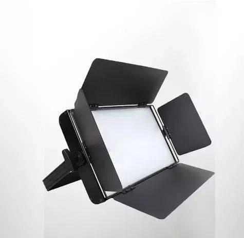 选择舞台灯光LED面光源需要注意什么?