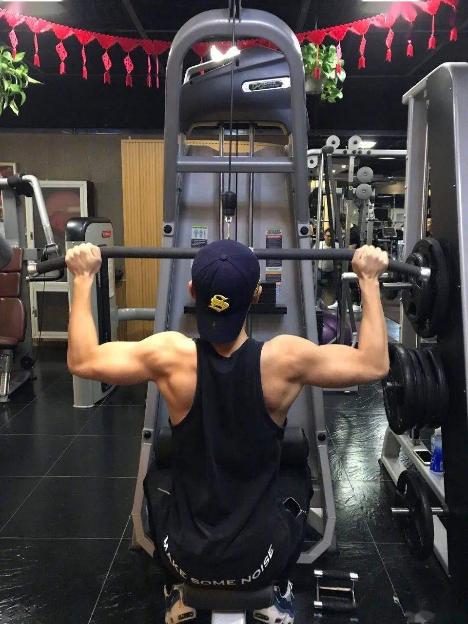 34岁魏晨曝身材照大秀肌肉,网友:这身材太顶了