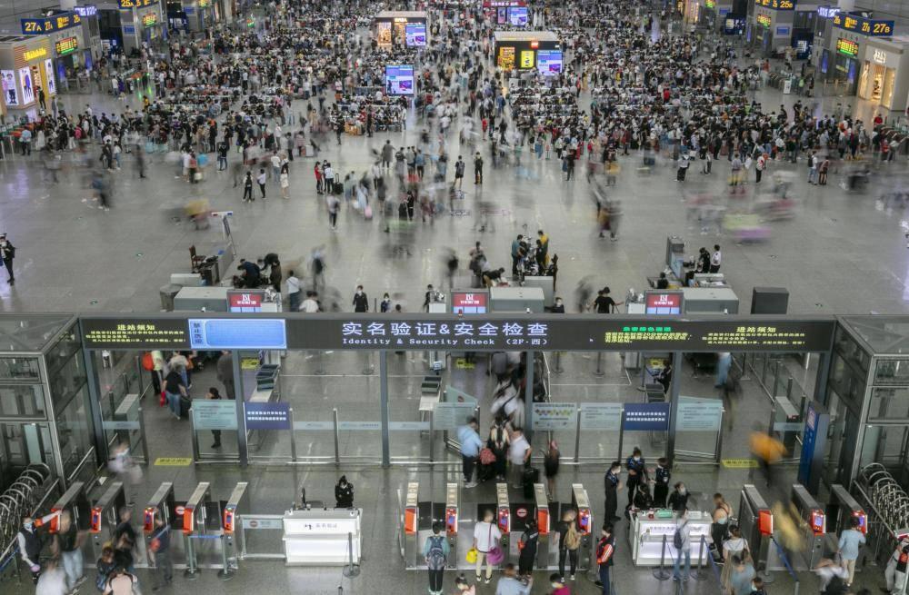 """美各界看好中国经济复苏势头 期待黄金周""""报复性消费"""""""