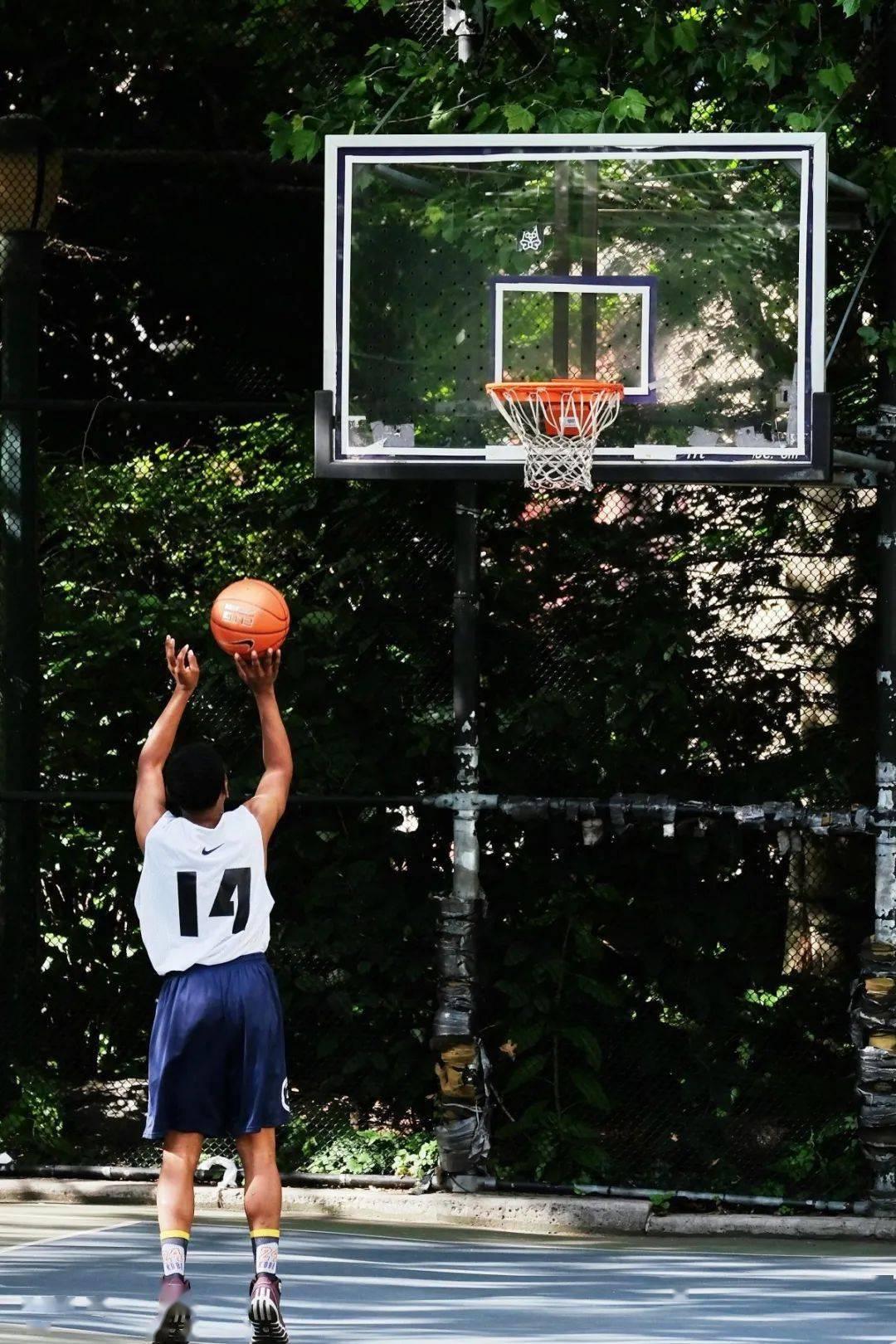 2020级新生篮球赛终于来啦!_韩美娟