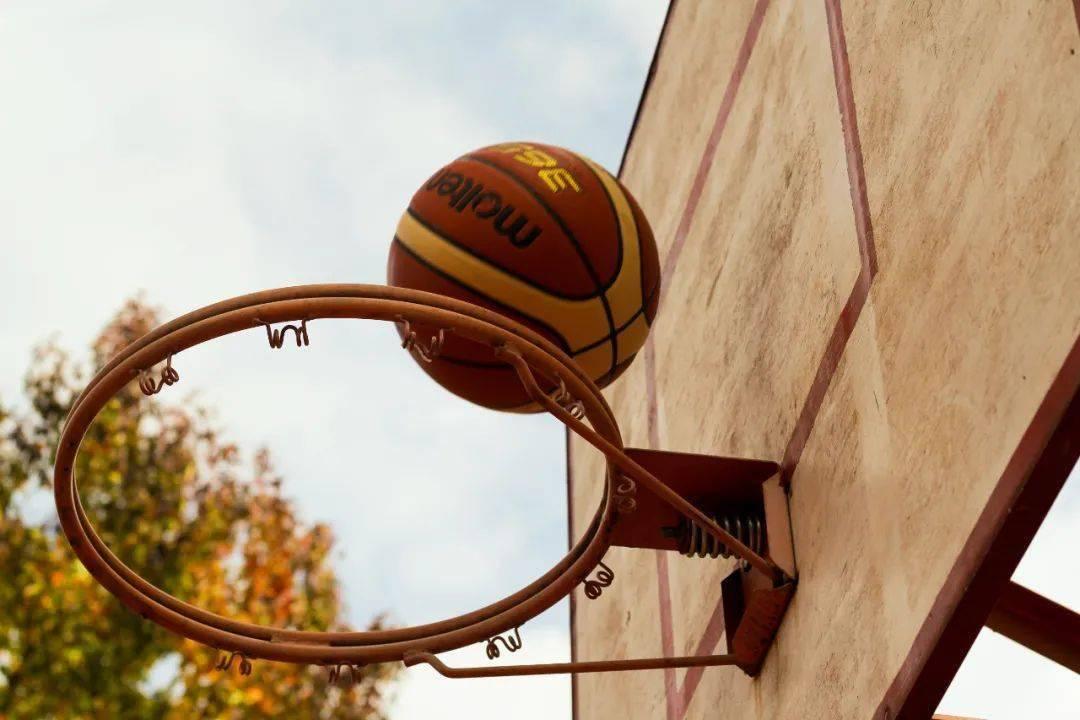 """篮球赛事""""体教融合""""能否""""星火""""燎原"""