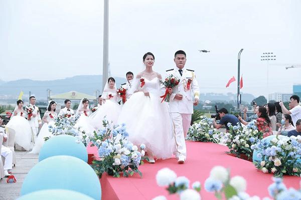 深圳卓硕区集体婚礼 见证最浪漫的事情