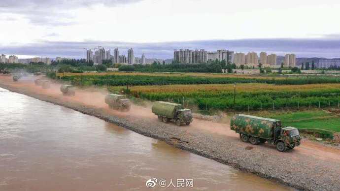 100米黄河浮桥兵飞钢桥