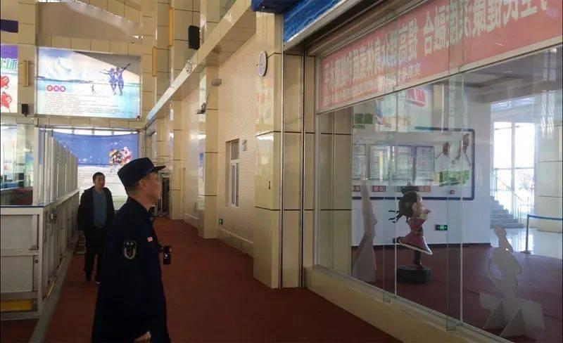 下级信息:突泉大队指导突泉县速滑馆消防技术服务的开发。