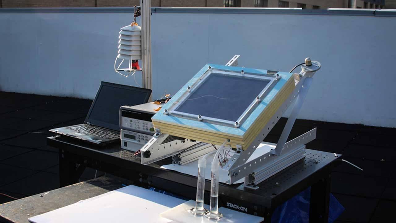 MIT改进其三年前发明的从空气中提取水的机器 提高产量到0.8升每日