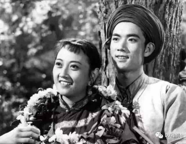 女星第一次演电影的样子:王晓棠泼辣,杨丽坤绝色,巩俐明艳