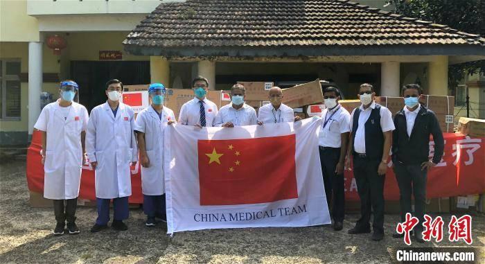 中国第13批援尼泊尔医疗队向B.P.柯伊拉腊纪念肿瘤医院捐赠一批药械物资