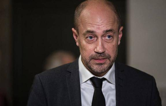 因家中有人感染新冠病毒 丹麦卫生大臣进行自我隔离
