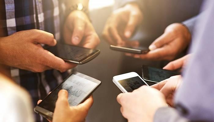 """双11哪家手机卖得好?小米成低价机型最大赢家,苹果华为""""制霸""""高端市场"""