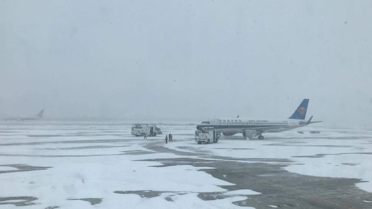 黑龙江暴雪持续,哈尔滨机场继续关闭至20日早6时