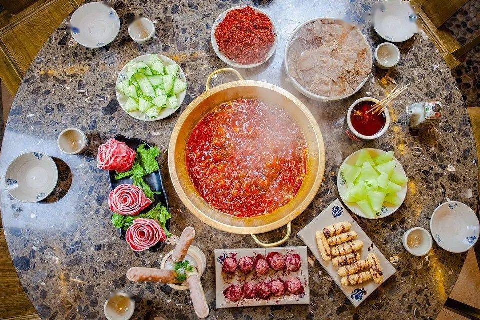 火锅这样吃,驱寒保暖、健脾益胃,选对食材还能养心!
