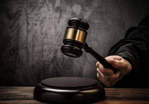 百事3注册男子撞见女友与他人同睡一床将其砍杀,逃亡13年!被判无期