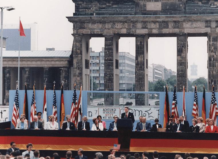 见证冷战:一堵墙的历史(下)