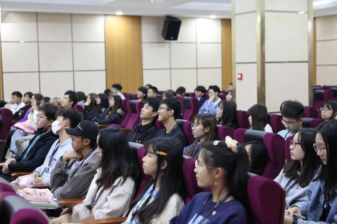 数字媒体系在2020-2021学年第一学期召开了第十八届团委、学生会总结会