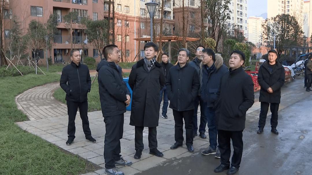 新年伊始,市委书记杨亚林到靖安安置区走访