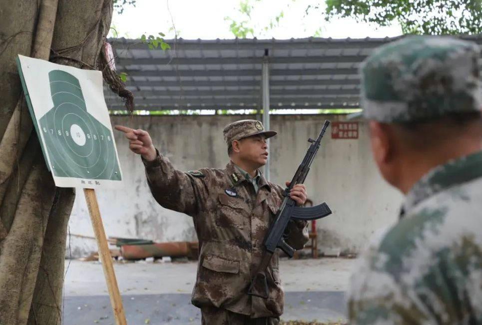 """德庆:193名民兵营长打响今年""""第一枪"""""""