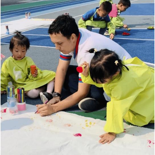 萧山这所幼儿园开启春季招生,园区大环境好,背景实力雄厚!超40%老师是研究生学历  第60张