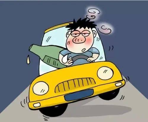 """南阳丨男子酒驾""""起飞""""失败,撞上路边电线翻个底朝天,司机脚步踉跄!"""