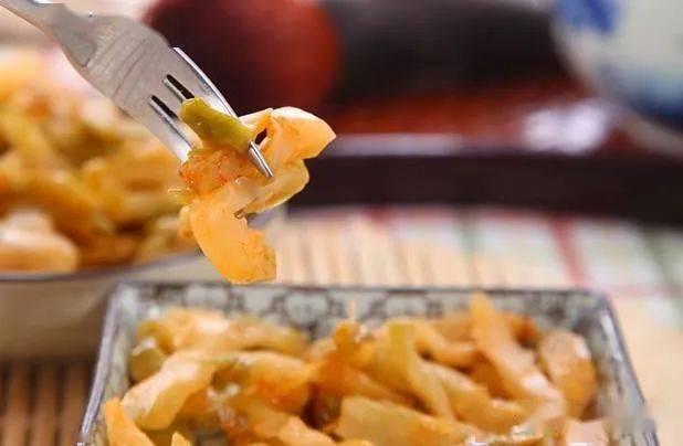 别小看餐桌上这道低廉的小菜,它可是天然的开胃、晕车、解酒药
