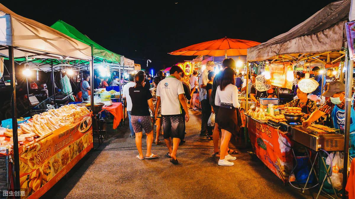 在夜市摆地摊做什么时最赚钱的呢?(图1)