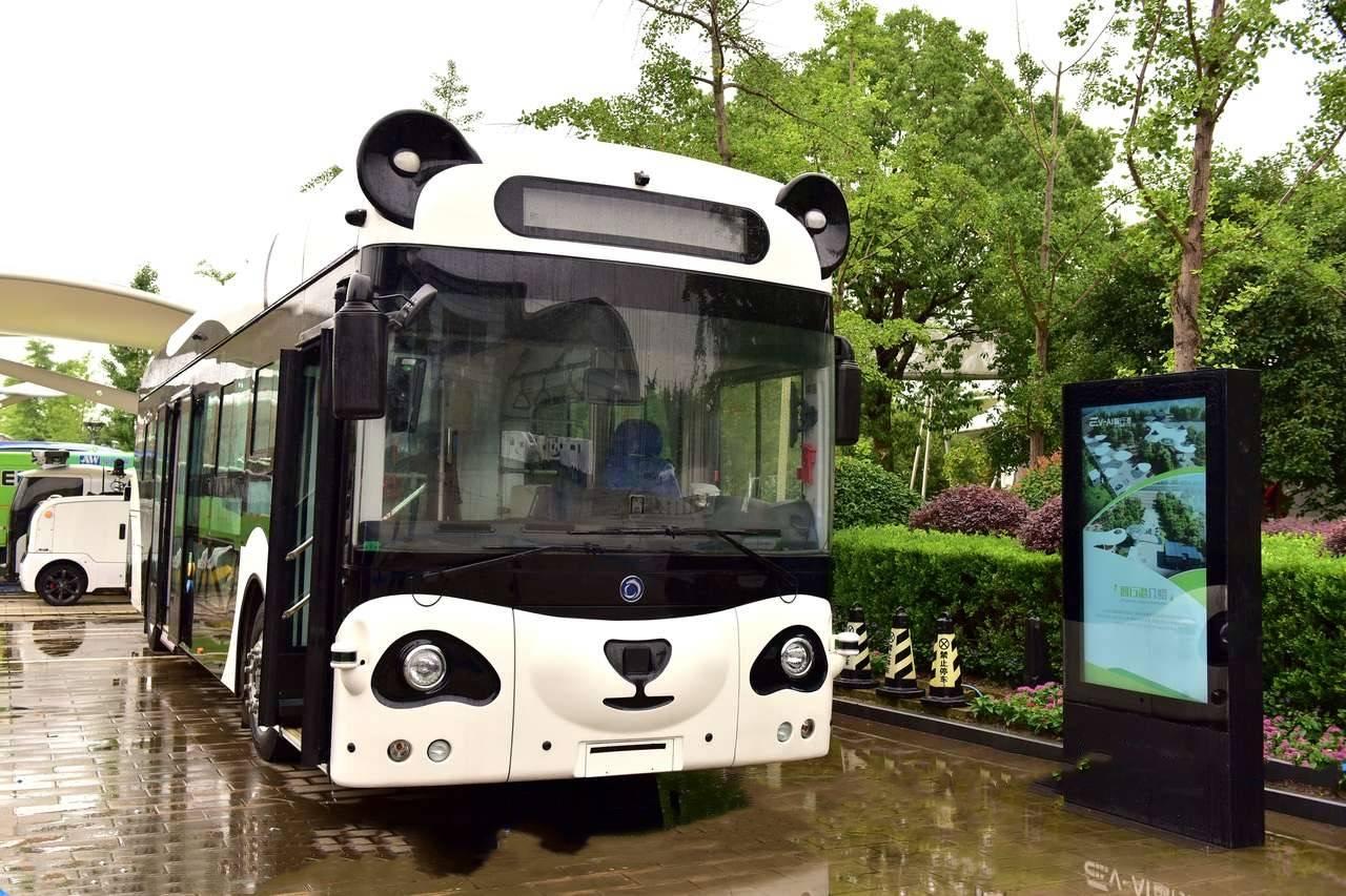 解码自动驾驶深兰力量:熊猫公交助力公共出行新基建