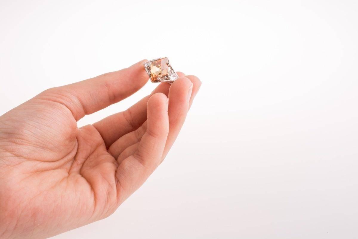 莫桑钻珠宝清洗保养的专业指南(建议收藏)