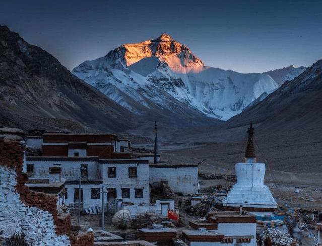 珠峰高度是多少米(2020珠峰最新高度)