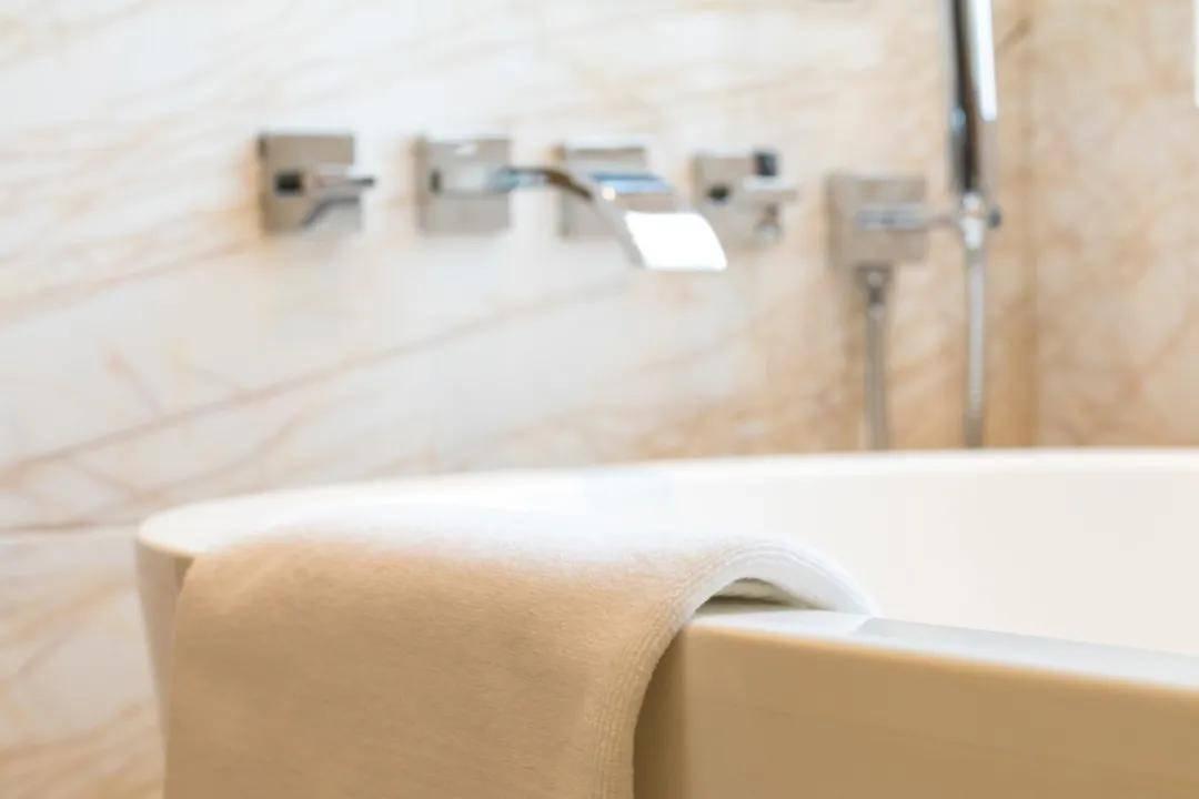 听说,现在的男男女女「洗澡」的时候都喜欢这样...