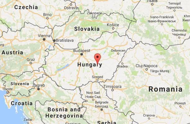 因为不想被家暴,一群匈牙利妇女,15年中杀了村中300多口人