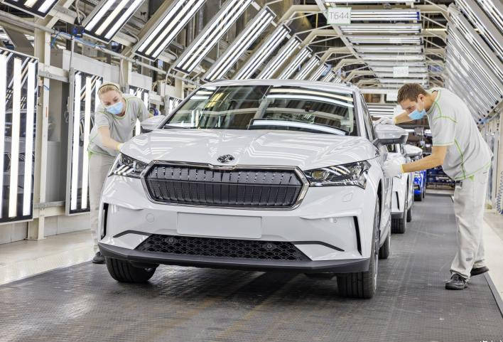 IG娱乐-首款MEB车型 斯柯达ENYAQ iV海外投产
