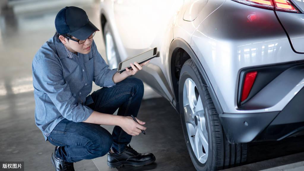 汽车全车贴膜多少钱(汽车全车贴膜怎么选择门店)插图(2)