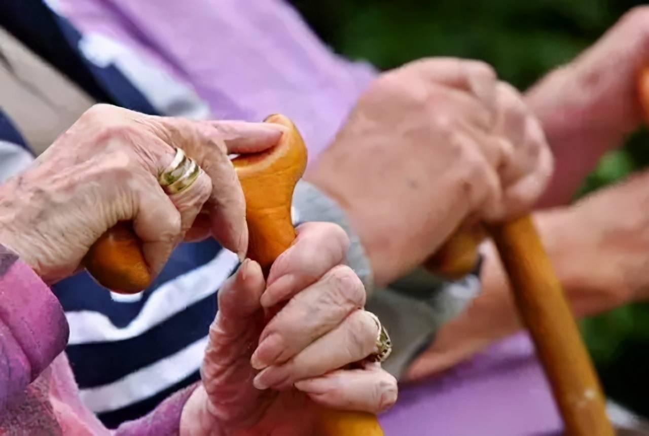 """人口的老龄化,貌似成为了大多数国家都非常""""烦恼""""的问题之一插图"""