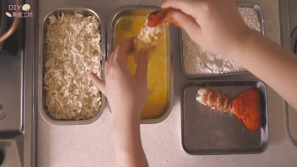 澳洲龙虾的做法视频教程(正宗的芝士焗龙虾做法)插图(8)