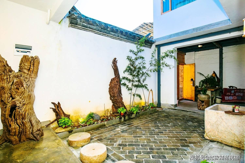 悠家民宿,中式原木装修,营造别样的温馨