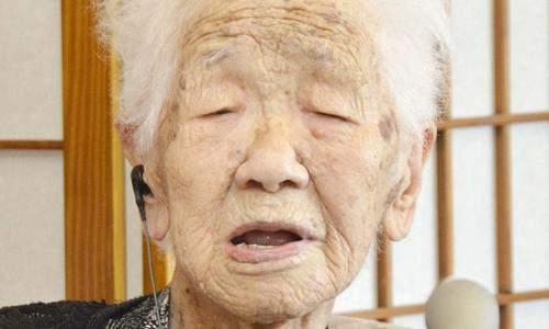 全球最长寿女性迎来118岁,她不仅喜欢吃甜食,还会做这4件事