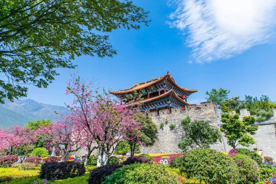 云南适合养老的小城,冬天比昆明暖,夏天比北海凉,知道是哪吗?
