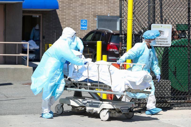 世界冠状病毒感染人数超一亿,全球传播不均,英国死亡超10万人