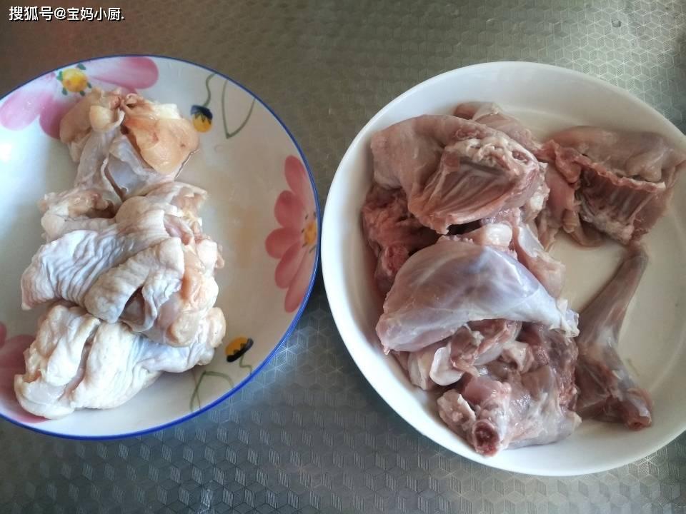 过年前后宴客,这菜肯定受欢迎,这俩肉搭配,吃着营养还新鲜,香!