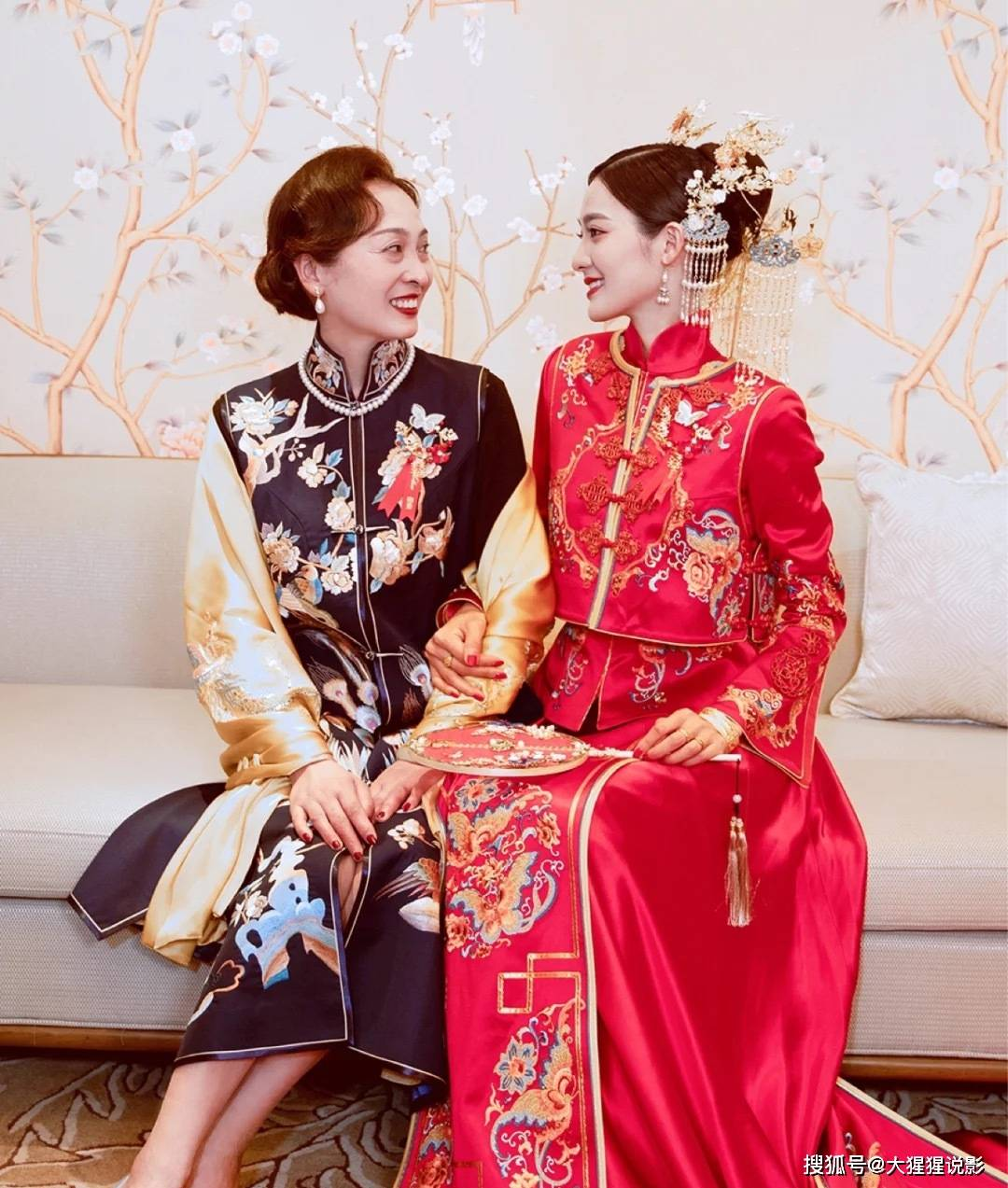 梦见自己穿着红色长旗袍 梦见别人穿漂亮的旗袍