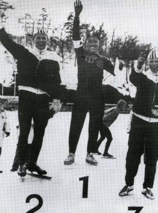 冰雪人物志:我国首位速滑全能王 申冬奥意气昂扬