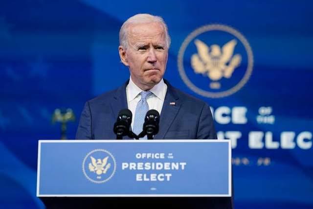 最初的2022年美国中期选举充满变数。拜登玩火自焚,特朗普强势回归