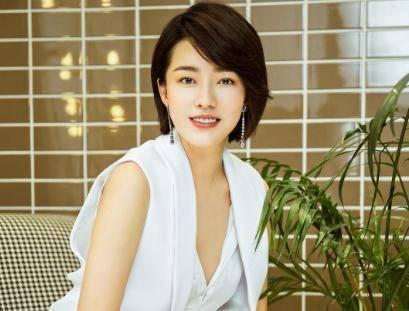 欧亿5主管:赵本山捧她六年,却被传出绯闻,今嫁富豪老公力证清白