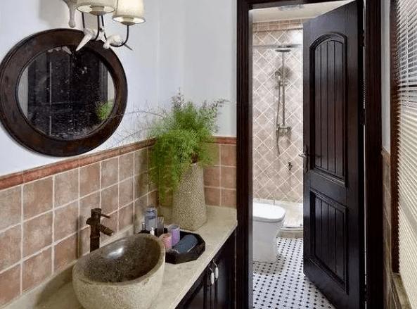 卫生间的门到底怎样选择?简 朴的格局功效不简单,而今盛行这么装