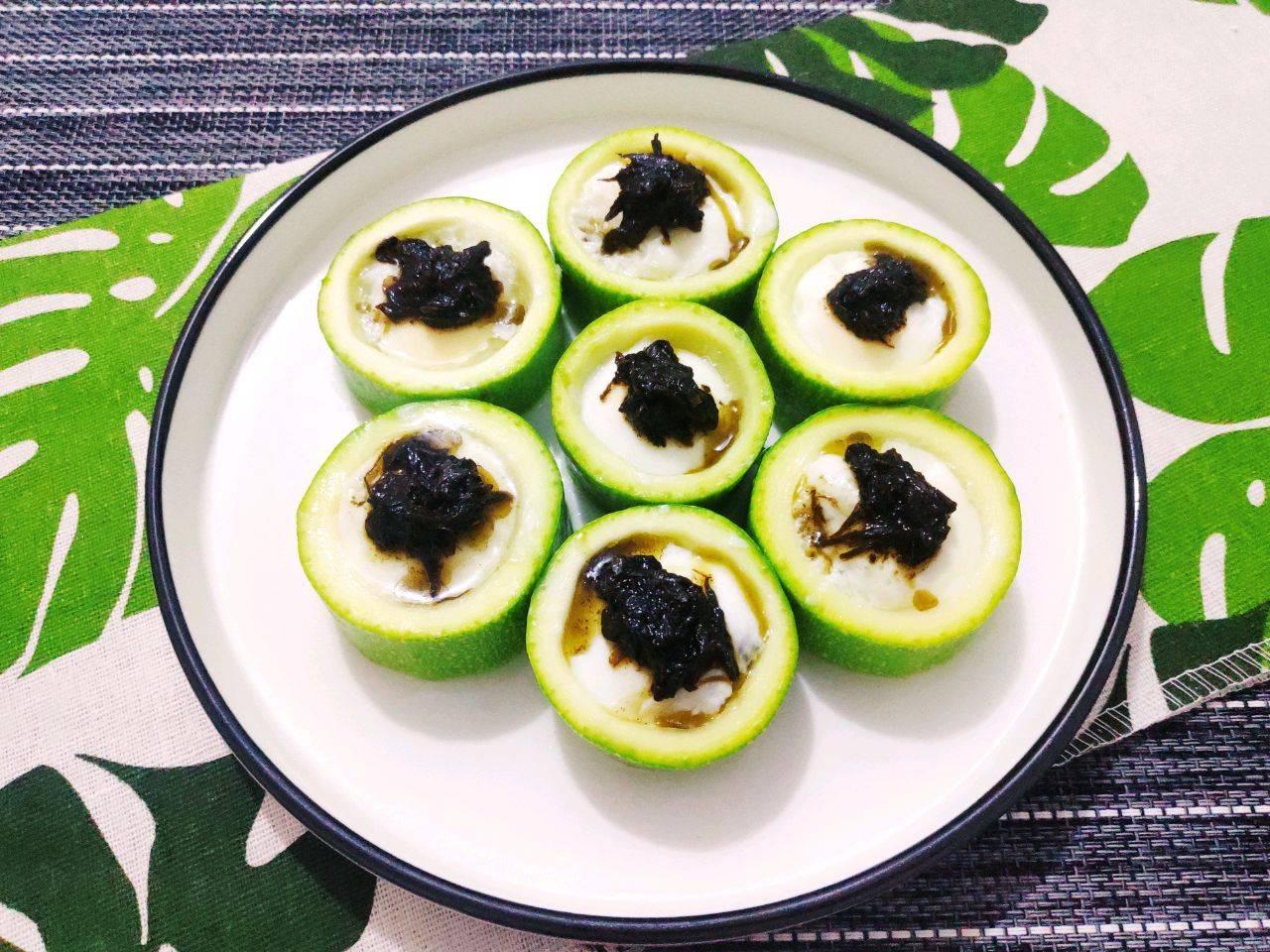【西葫芦蒸鹌鹑蛋】的做法+配方,一口一个,健康营养又好吃