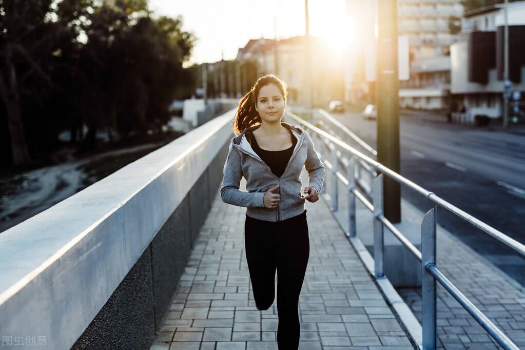 斗牛牛游戏在线:几个方法突破瓶颈期,让你体重持续下降,恢复一副好身材!